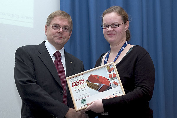 Nathalie de Beer with Esko Boman, Chairman of Pro Carton Nordica