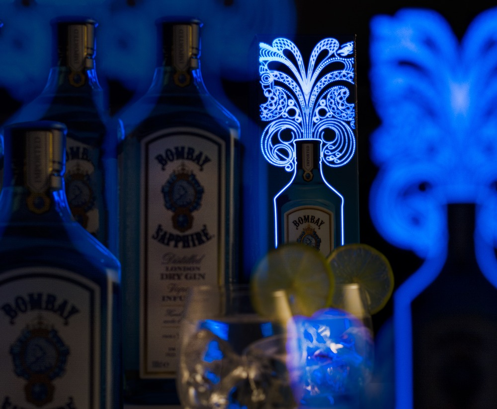 "Illuminated packaging for ""Bombay Sapphire"" 4"