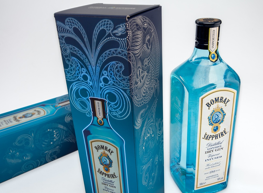 "Illuminated packaging for ""Bombay Sapphire"""